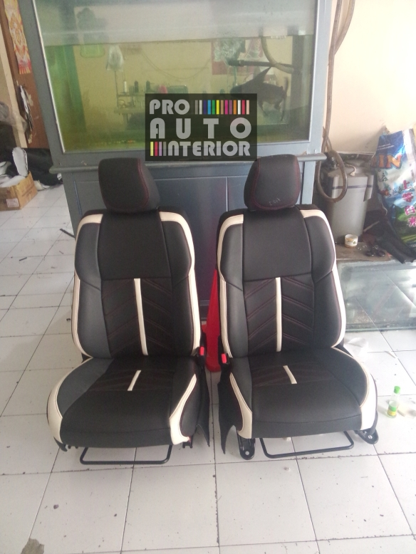 Cover Seat Semi Permanent on All New Yaris (MBTech Black and white synt. leather)