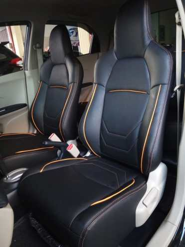Jok bekleed Brio sporty full black dengan orange line